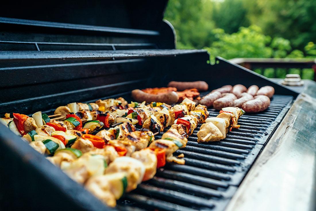 Comment s'équiper l'été pour cuisiner dehors ?